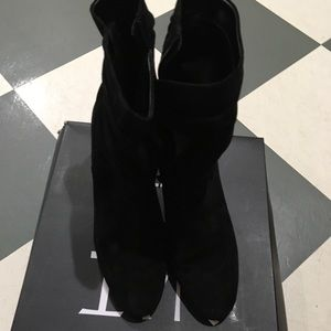 Naturalizer boots worn once